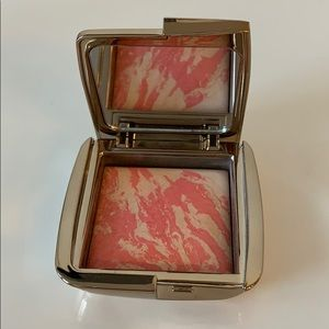 Hourglass Strobe Lightening Blush